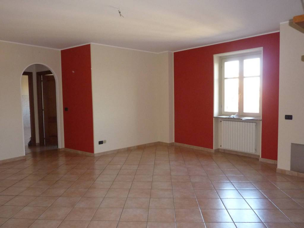 Appartamento in ottime condizioni in affitto Rif. 8737680