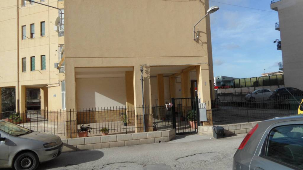 Appartamento in buone condizioni in vendita Rif. 8734377