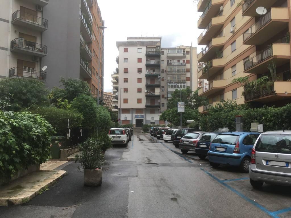 Ufficio-studio in Affitto a Palermo Centro: 3 locali, 70 mq