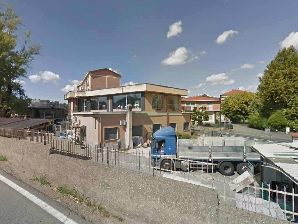 Negozio / Locale in vendita a Chieri, 6 locali, prezzo € 295.000 | CambioCasa.it