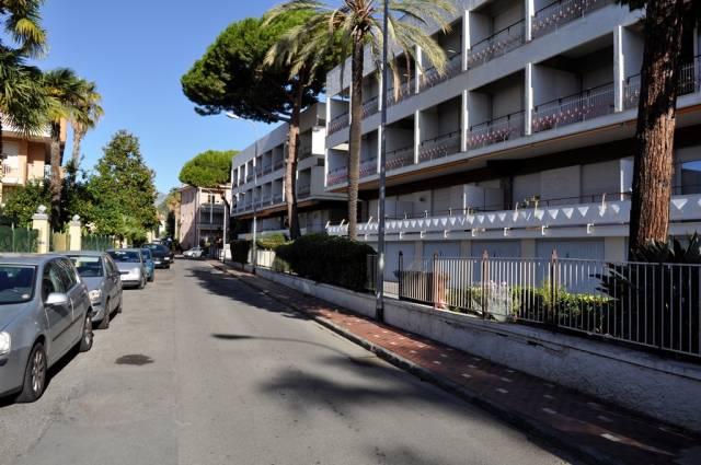 Appartamento in Vendita a Bordighera Centro: 2 locali, 59 mq