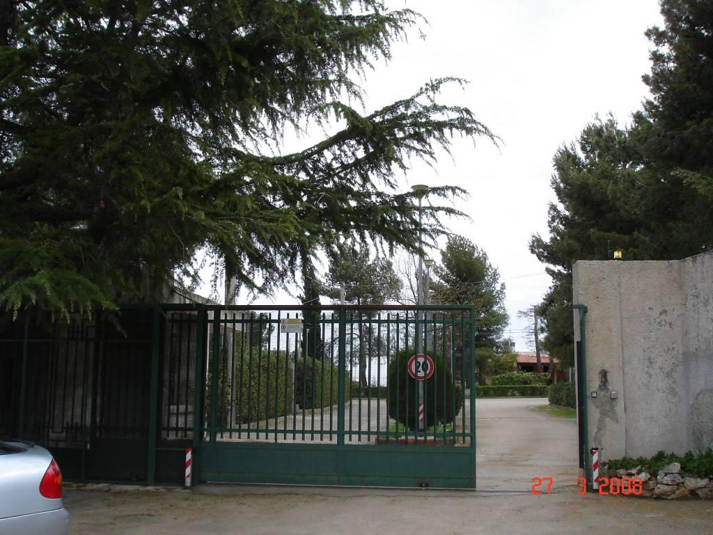 Villa in buone condizioni in vendita Rif. 7186360