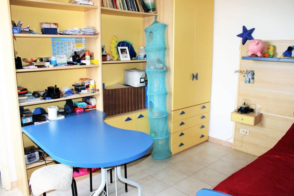Appartamento in buone condizioni in vendita Rif. 7946076