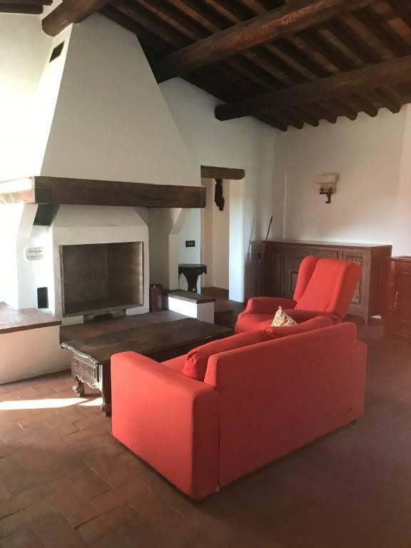 Appartamento in ottime condizioni arredato in affitto Rif. 8734617