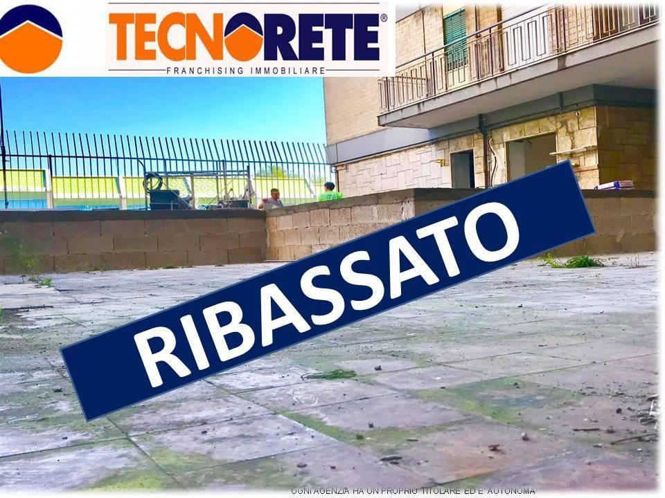 Appartamento da ristrutturare in vendita Rif. 9273880