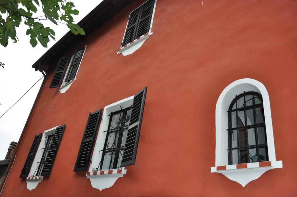 Villa in buone condizioni in vendita Rif. 8660618
