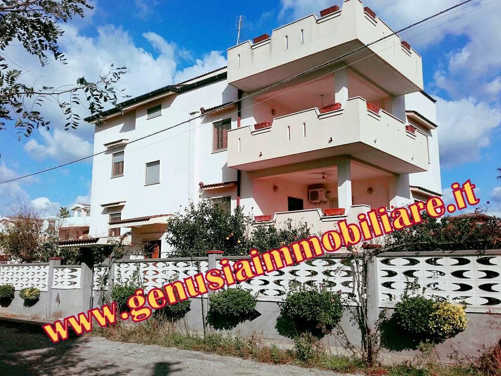 Villa in buone condizioni arredato in vendita Rif. 7833353