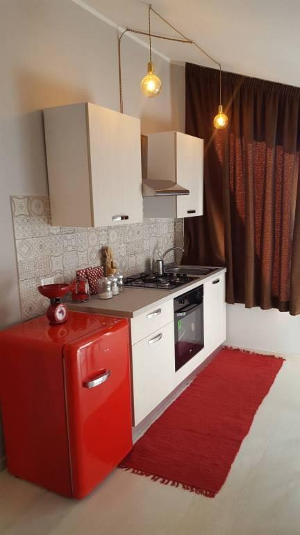 Appartamento in ottime condizioni arredato in vendita Rif. 8176975