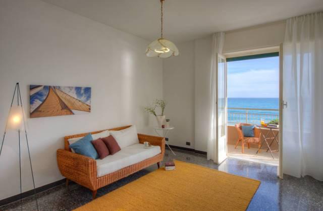 Appartamento in Vendita a Pietra Ligure Centro: 4 locali, 107 mq