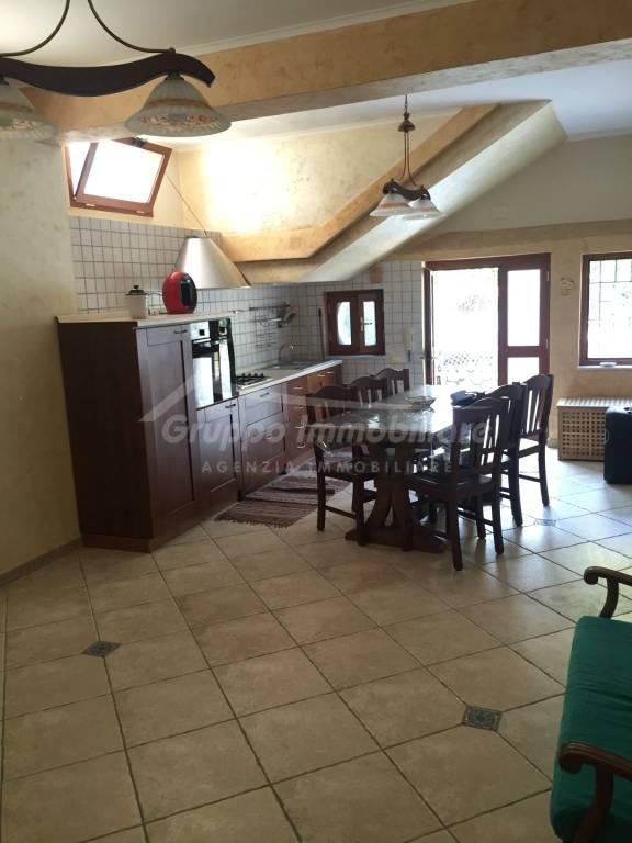 Appartamento in ottime condizioni arredato in affitto Rif. 8733597