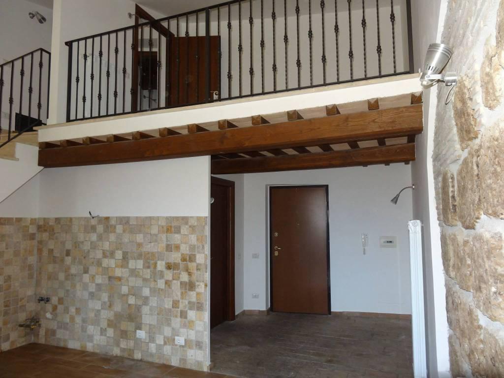 Appartamento in ottime condizioni in affitto Rif. 8732188