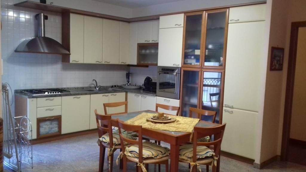 Appartamento in ottime condizioni in affitto Rif. 8734237