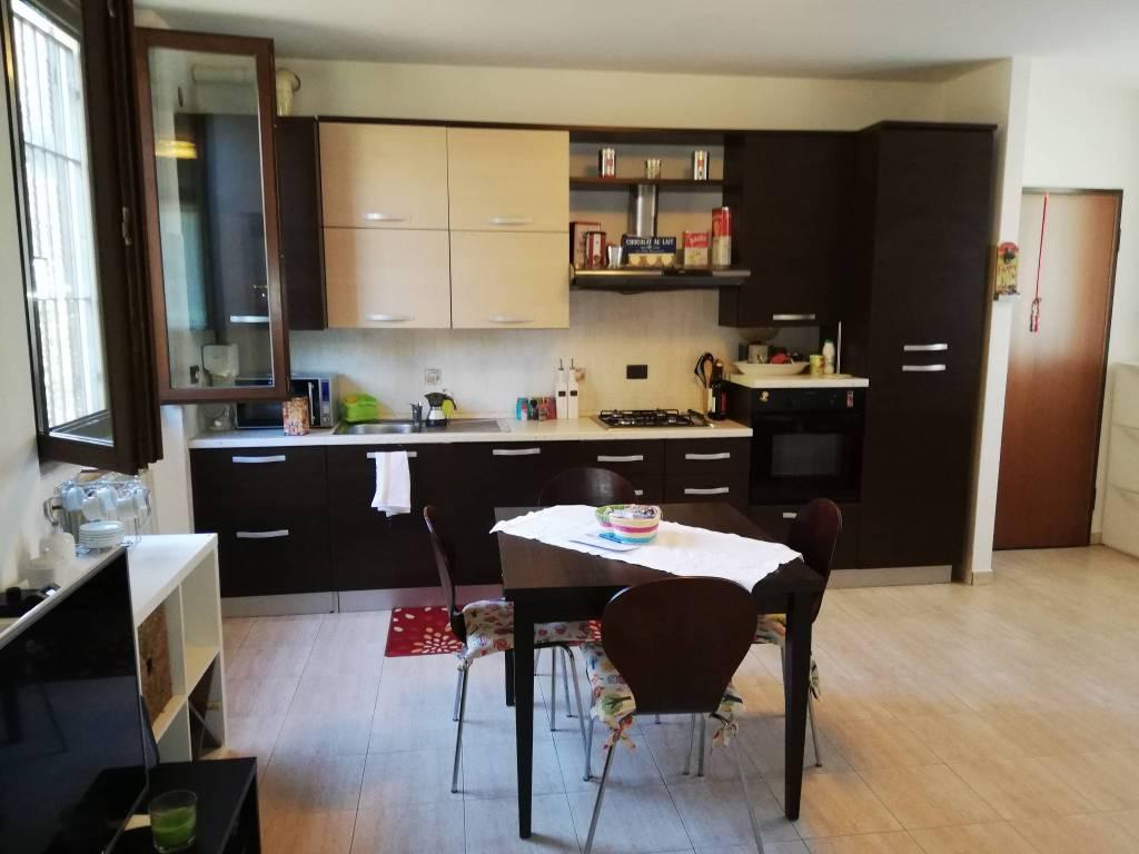 Appartamento in ottime condizioni arredato in vendita Rif. 8254151