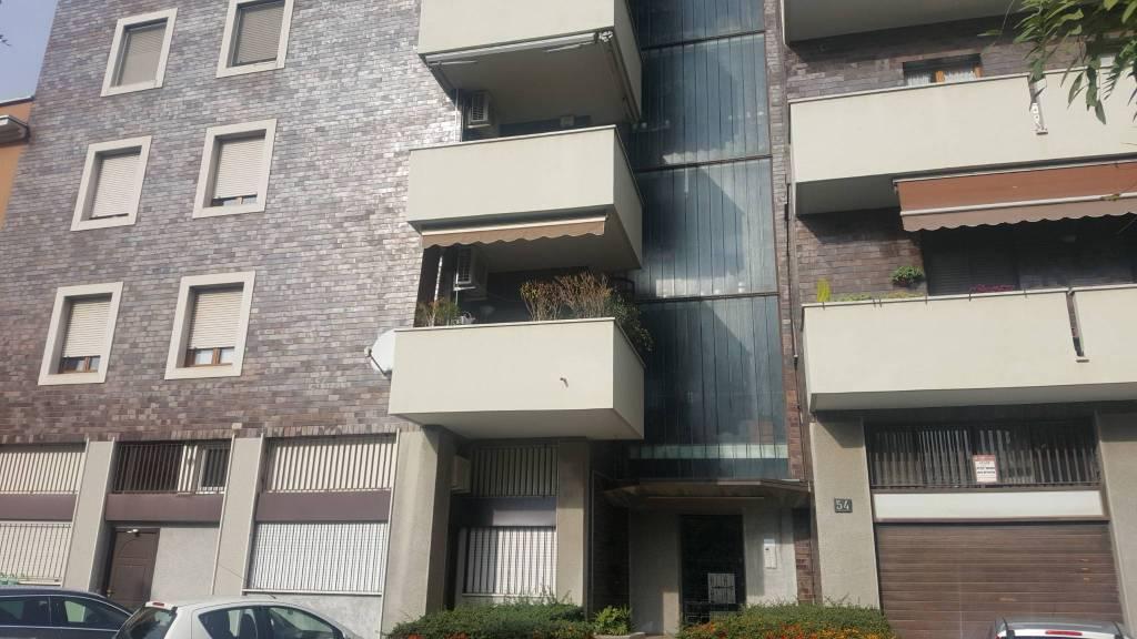 Appartamento in vendita 3 vani 135 mq.  via Barnaba Oriani 54 Milano
