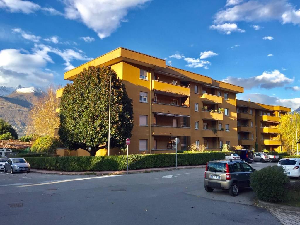 Appartamento in buone condizioni parzialmente arredato in vendita Rif. 8407580
