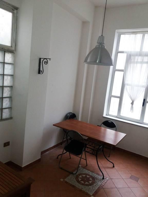Appartamento in buone condizioni parzialmente arredato in affitto Rif. 8734086
