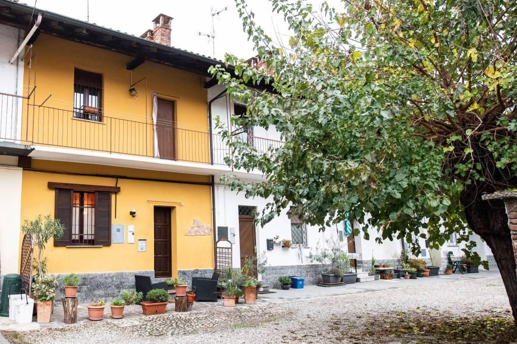 Appartamento in buone condizioni in vendita Rif. 8733616