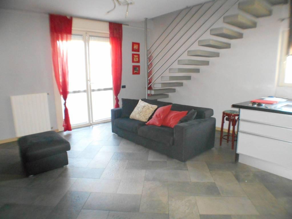 Appartamento in buone condizioni in vendita Rif. 8730718