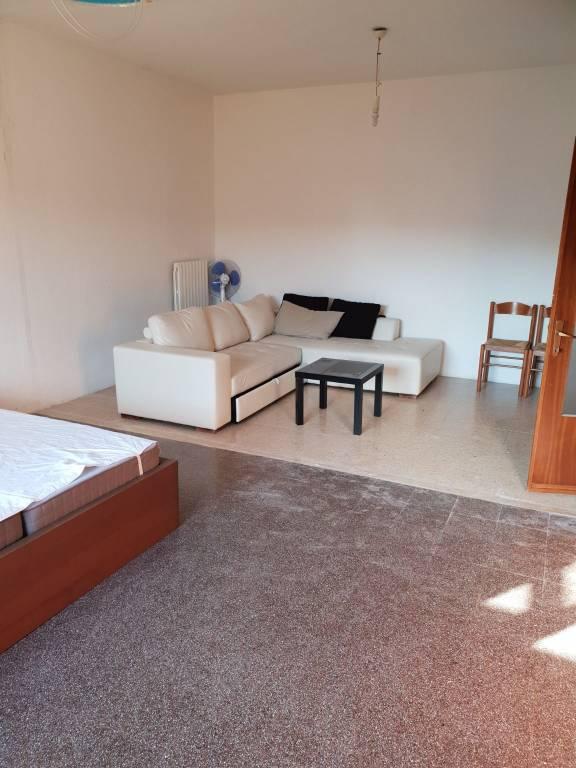 Appartamento in buone condizioni parzialmente arredato in vendita Rif. 8737578