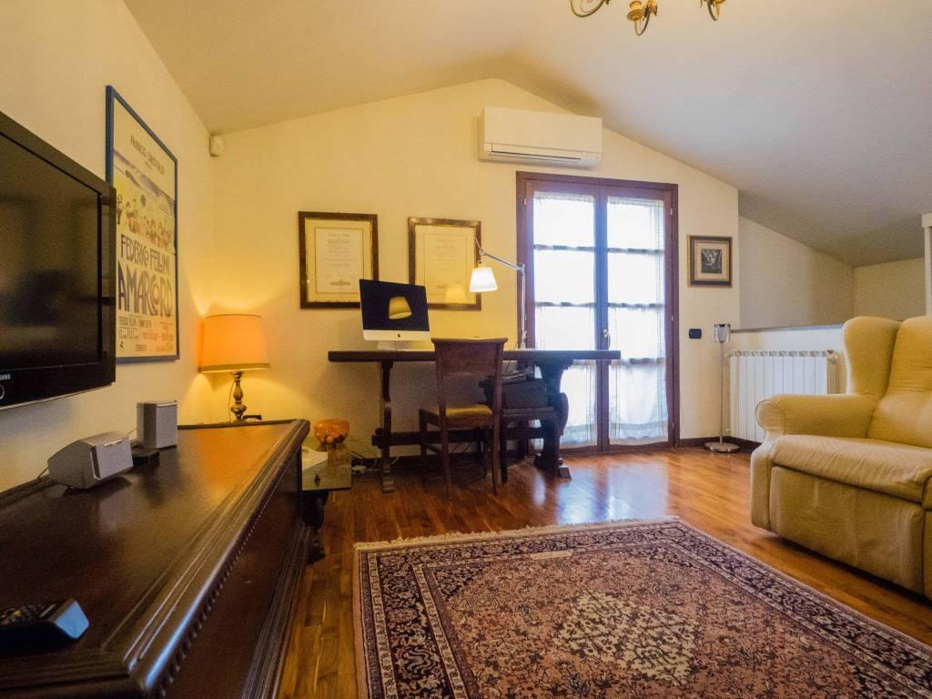 Appartamento in ottime condizioni in vendita Rif. 8745895