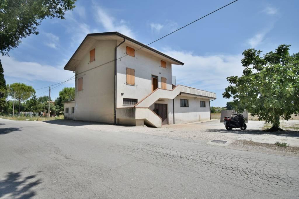 Casa Indipendente da ristrutturare in vendita Rif. 8744149