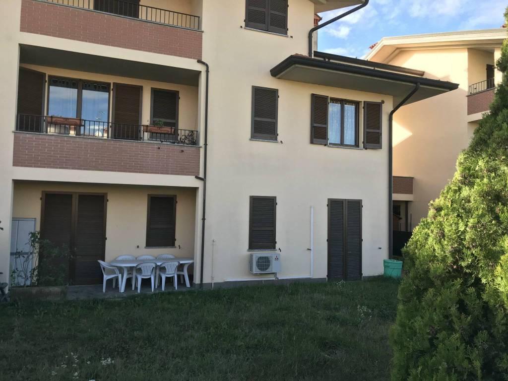 Appartamento in buone condizioni in vendita Rif. 8745011