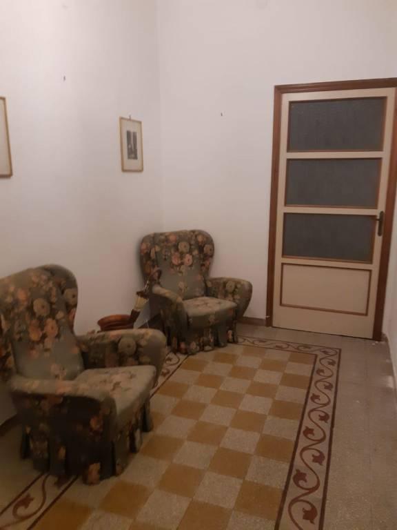 Appartamento in buone condizioni in affitto Rif. 8750110