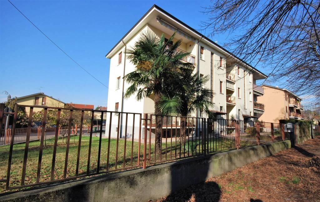 Appartamento in buone condizioni in vendita Rif. 8745043