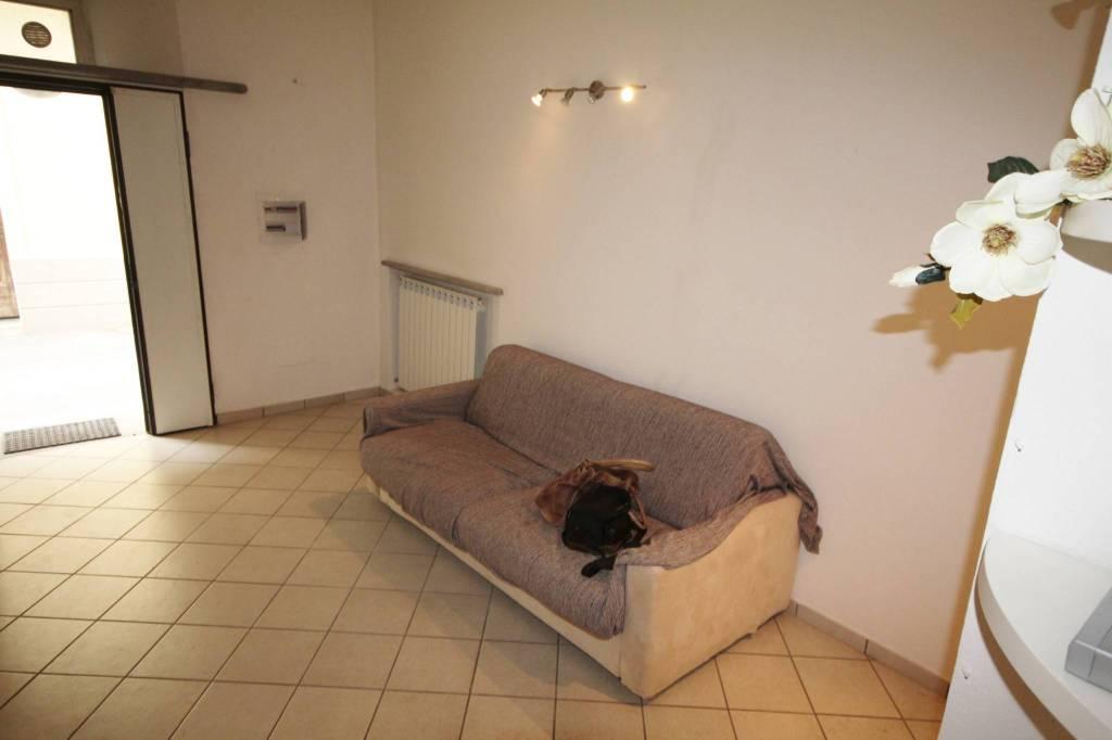Appartamento in buone condizioni in vendita Rif. 8019773