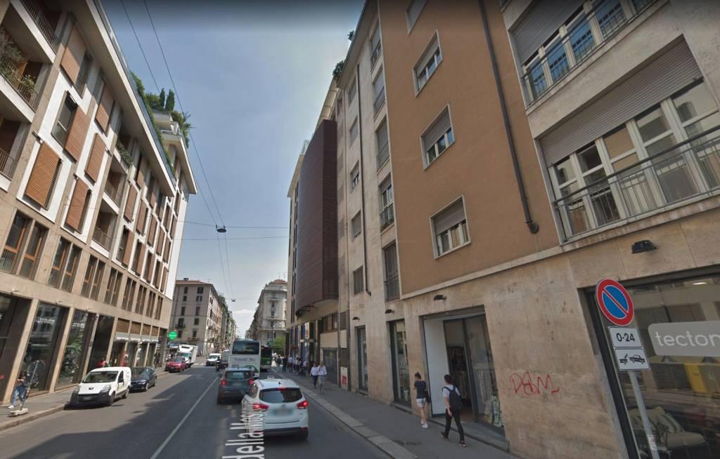 Posto-box auto in Affitto a Milano 01 Centro storico (Cerchia dei Navigli): 15 mq