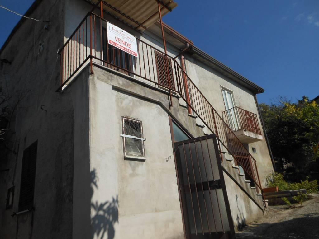 Foto 1 di Casa indipendente via Santianni, frazione Marzanello, Vairano Patenora