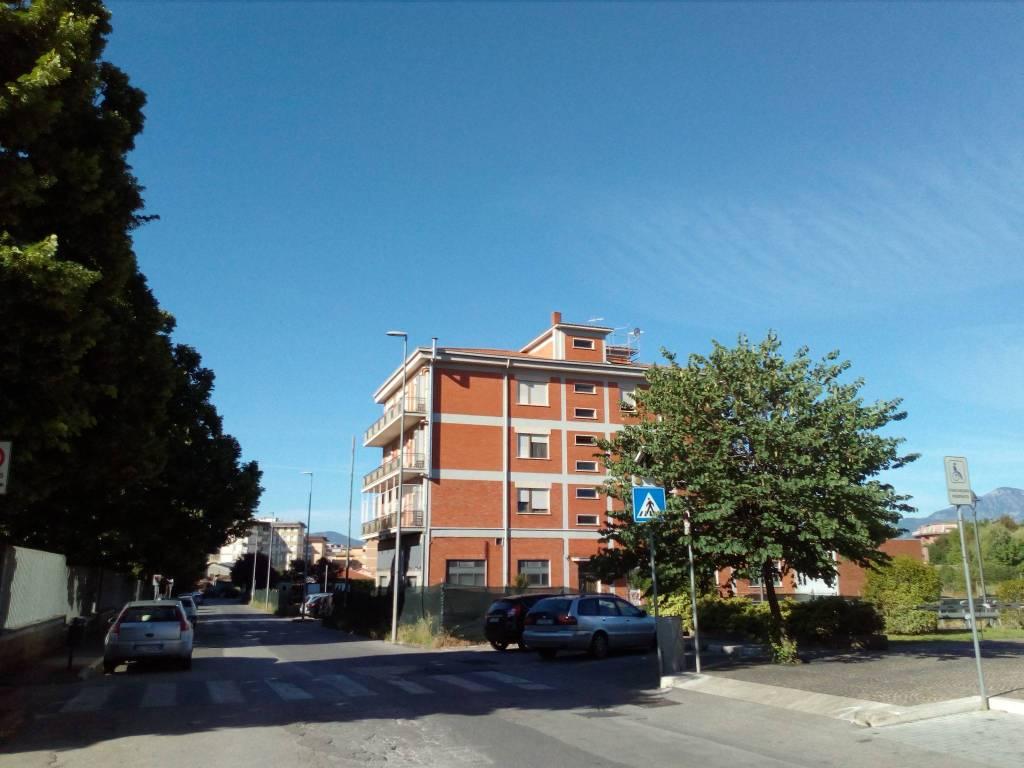 Appartamento in buone condizioni in vendita Rif. 8746139
