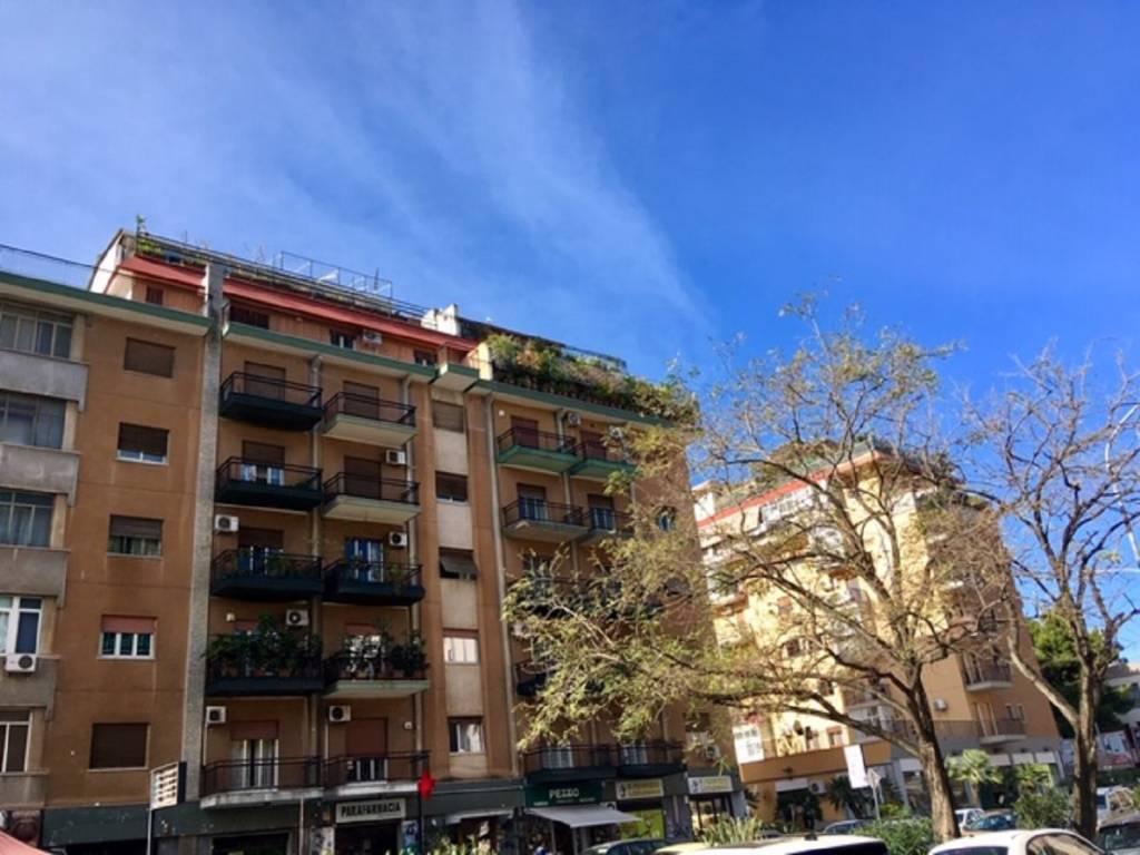 3 vani - Super attico in zona Lazio - Paternò - Notarbartol