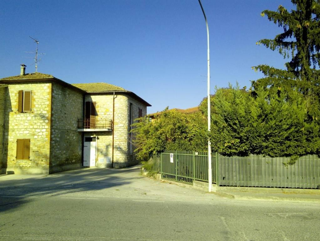 Appartamento da ristrutturare in vendita Rif. 8749037