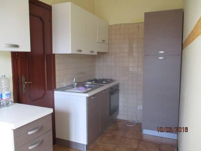 Appartamento in buone condizioni parzialmente arredato in affitto Rif. 8745994