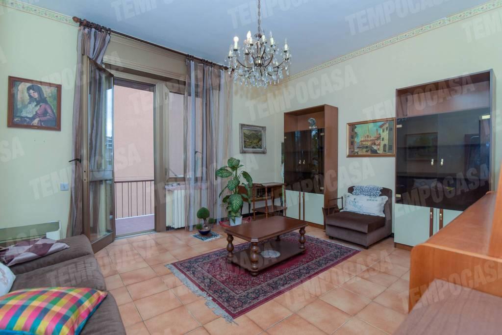 Appartamento in buone condizioni in vendita Rif. 8744100