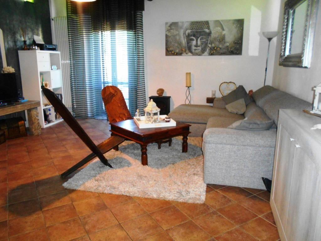 Appartamento in ottime condizioni parzialmente arredato in vendita Rif. 8744739