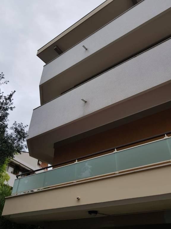 Attico / Mansarda in buone condizioni arredato in affitto Rif. 8748818