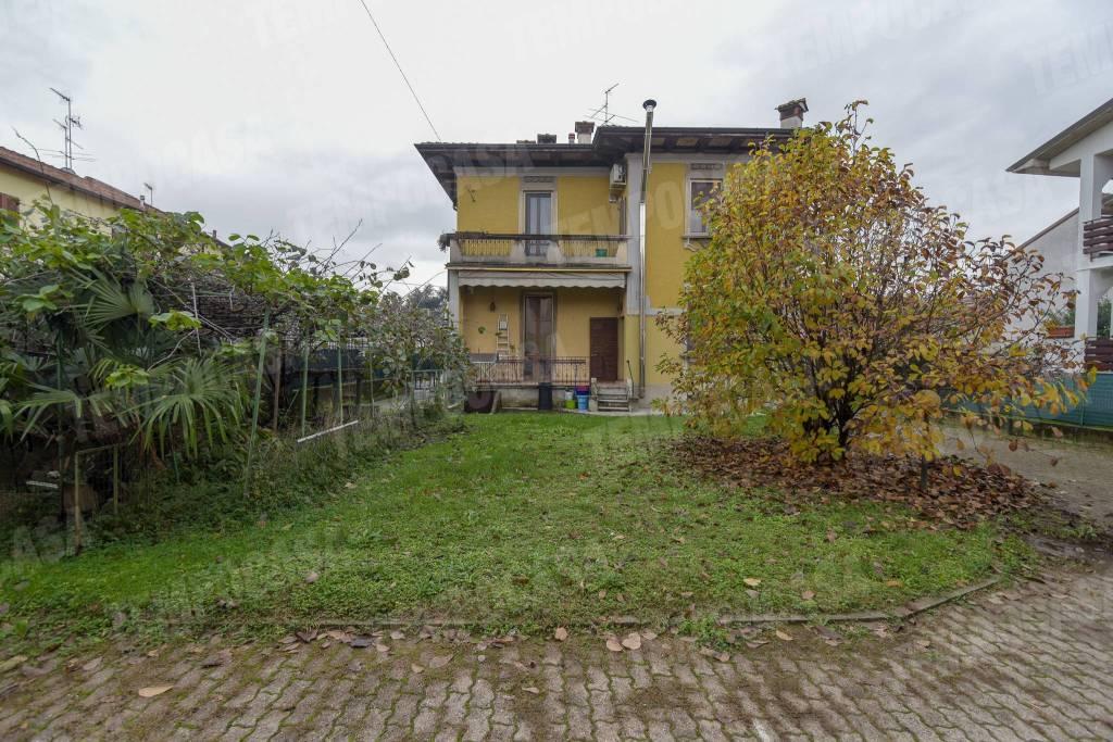 Villa da ristrutturare in vendita Rif. 8744101