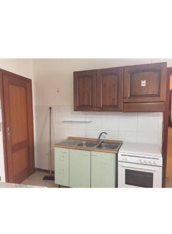 Appartamento in buone condizioni arredato in affitto Rif. 8746538