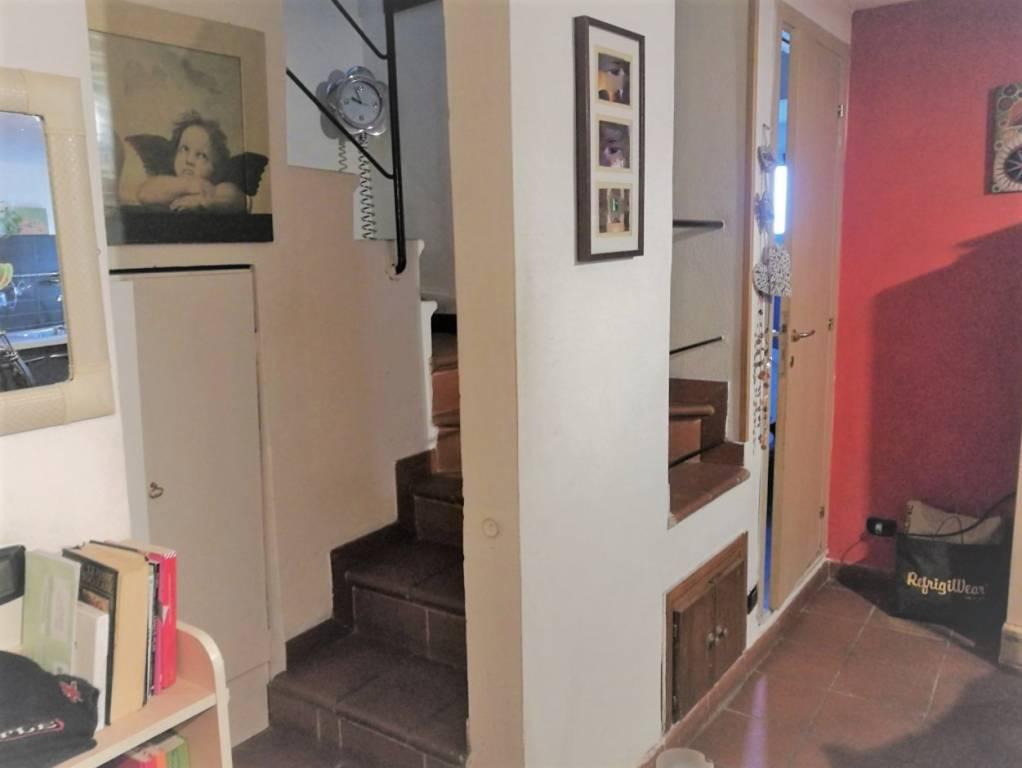 Appartamento in buone condizioni in vendita Rif. 8745637
