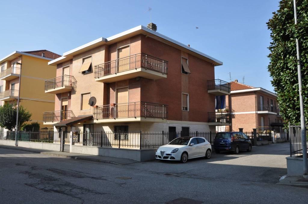 Trilocale Via Luigi Ronco 26, Leini