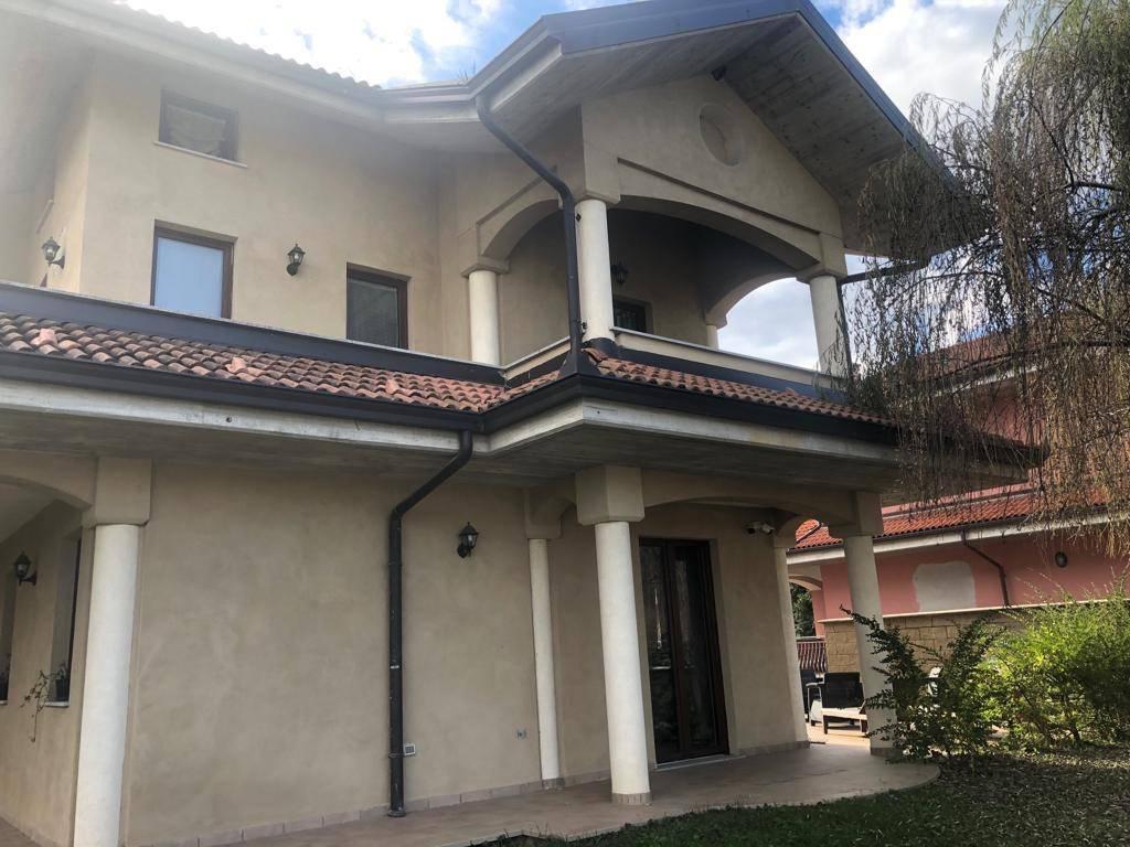 Villa in vendita a Borgo San Dalmazzo, 6 locali, Trattative riservate   CambioCasa.it