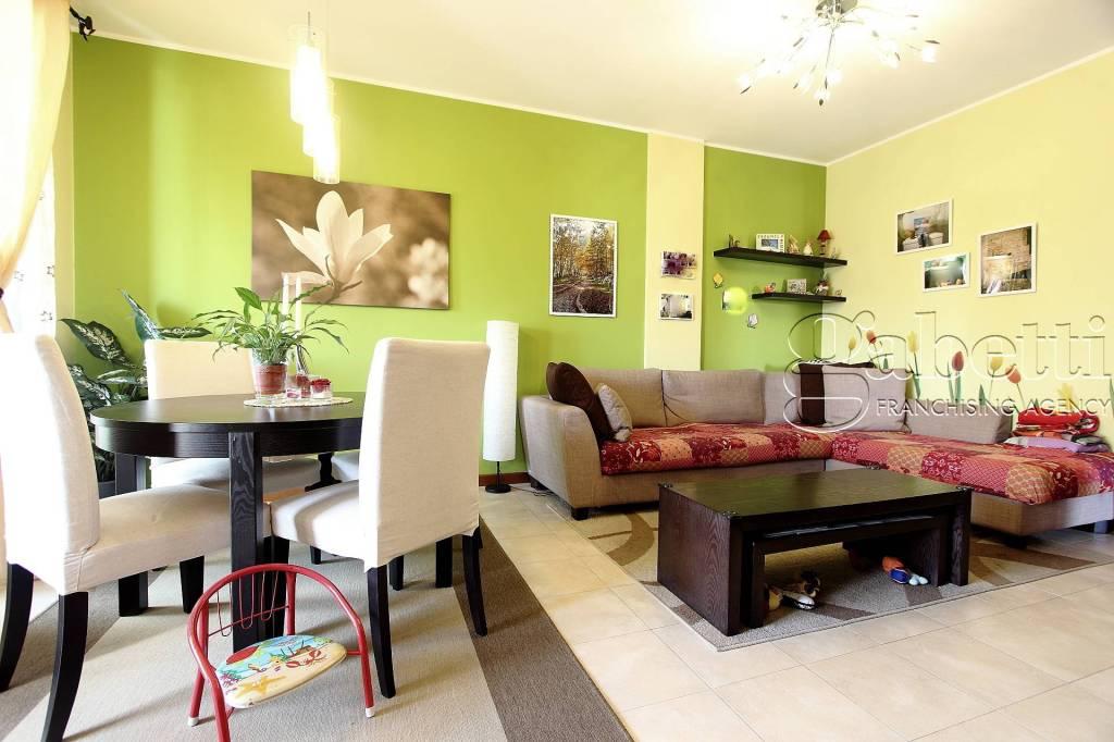 Appartamento in ottime condizioni in vendita Rif. 8745061