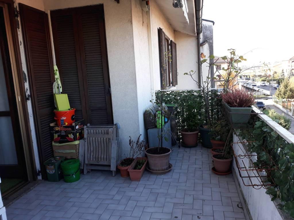 Appartamento in buone condizioni parzialmente arredato in affitto Rif. 8744748