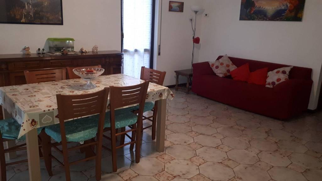 Appartamento in buone condizioni in vendita Rif. 8743870