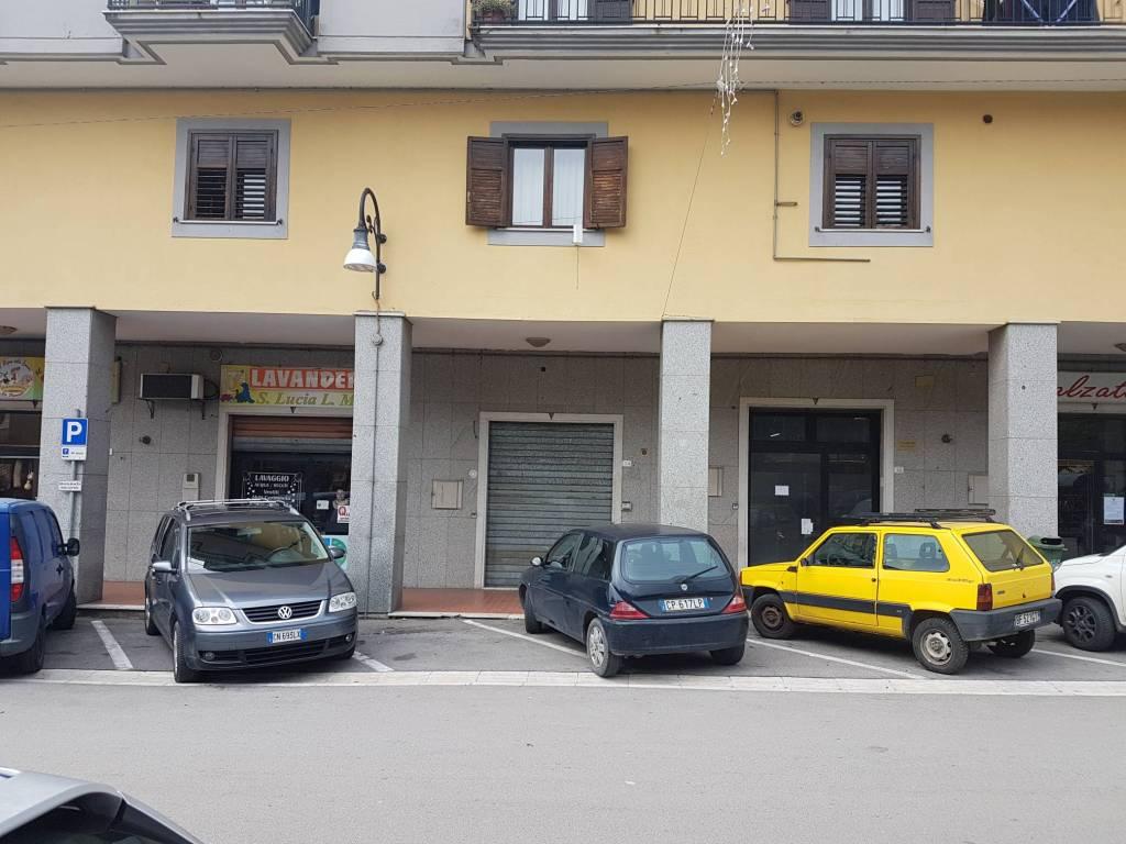 S. Lucia di Serino. Locale commerciale di Mq. 65 in centro