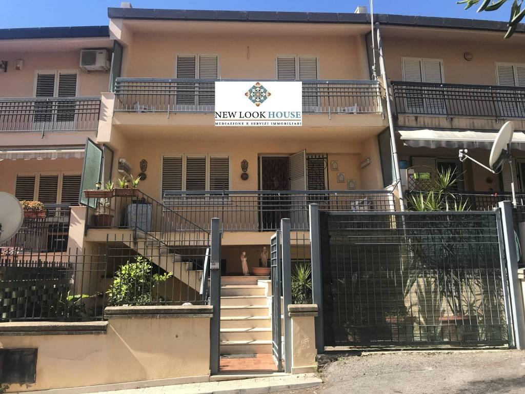 Appartamento in ottime condizioni in vendita Rif. 8750032
