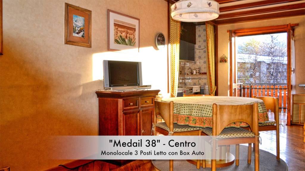 """""""Medail 38"""" - Centro"""