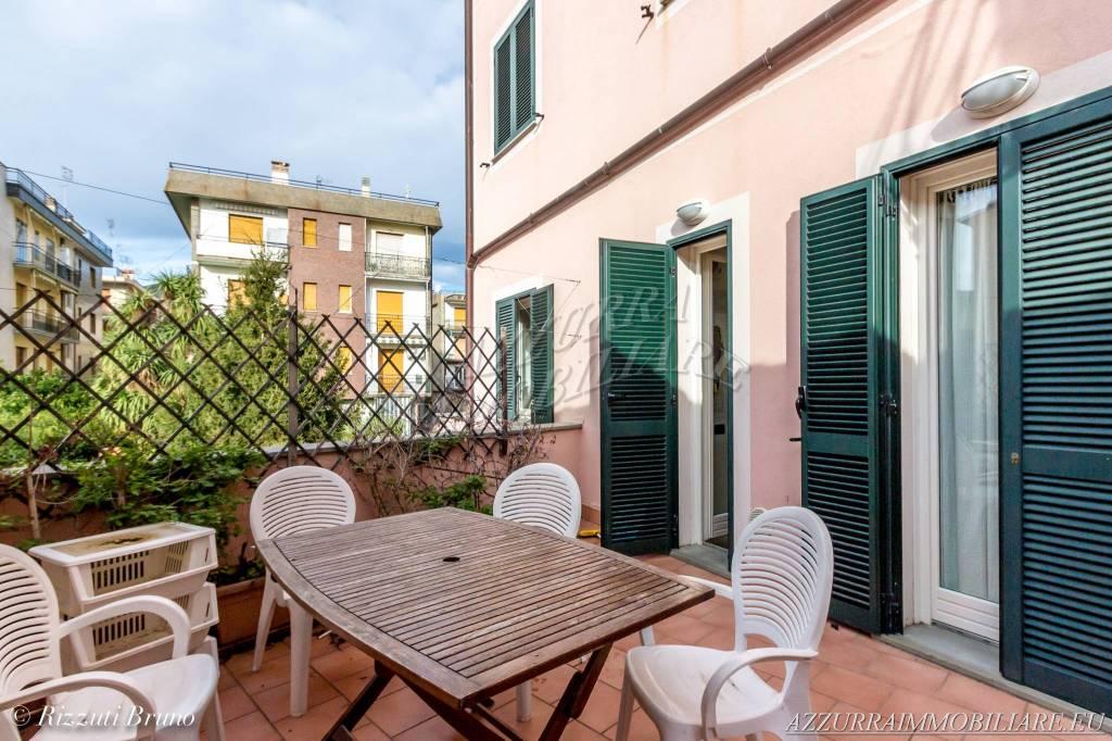 Appartamento in ottime condizioni parzialmente arredato in vendita Rif. 8744756